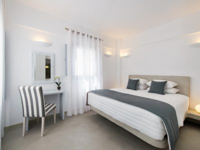 central-fira-hotel-accommodation-santorini-deluxe-suite-gallery-2