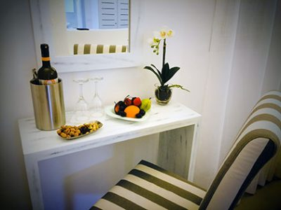 standard-suite-central-hotel-fira-santorini-accommodation-gallery-4